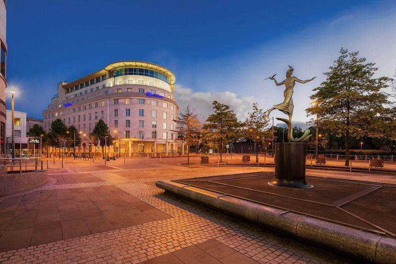 c8d7dfd288a883df Hilton Cardiff Hotel Exterior