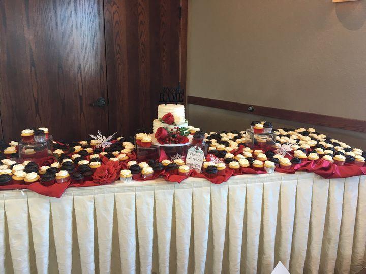 Winter wedding cupcakes & cake