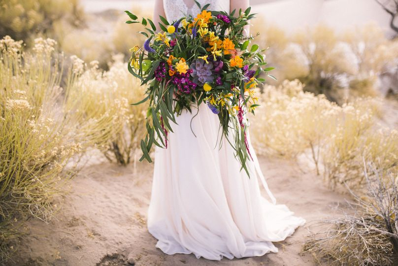 Beautiful full bouquet, Photo Credit: Green Blossom Photography