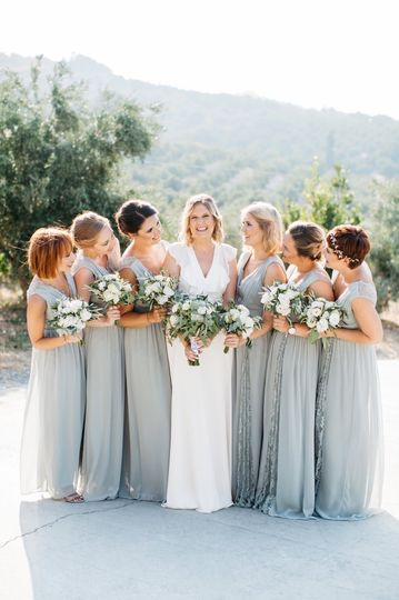 Vibrant wedding in Crete
