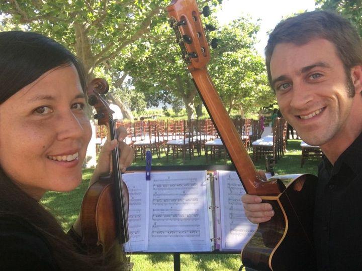 Violinist and guitarist