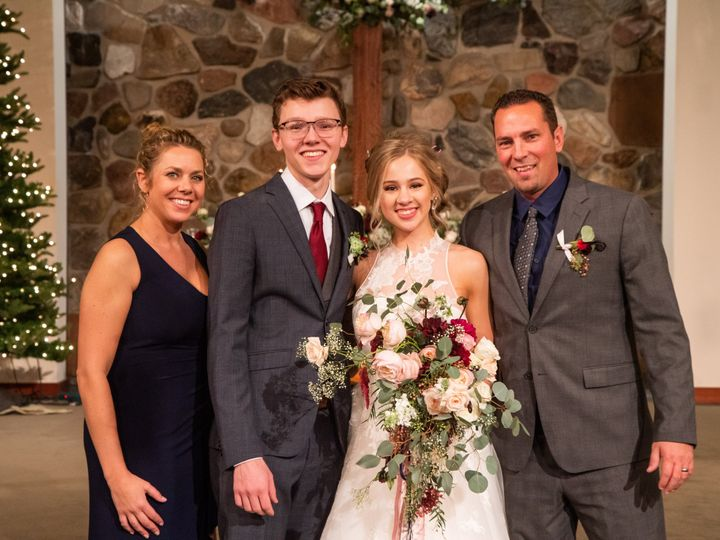 Tmx Hannah And Ethans Wedding Walnut Street Photography 732 51 1914605 159493273570988 Fort Collins, CO wedding florist