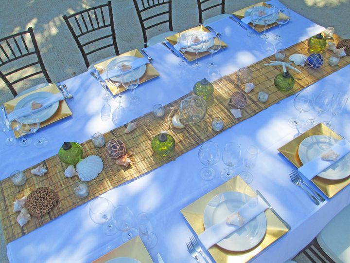 Large table setting