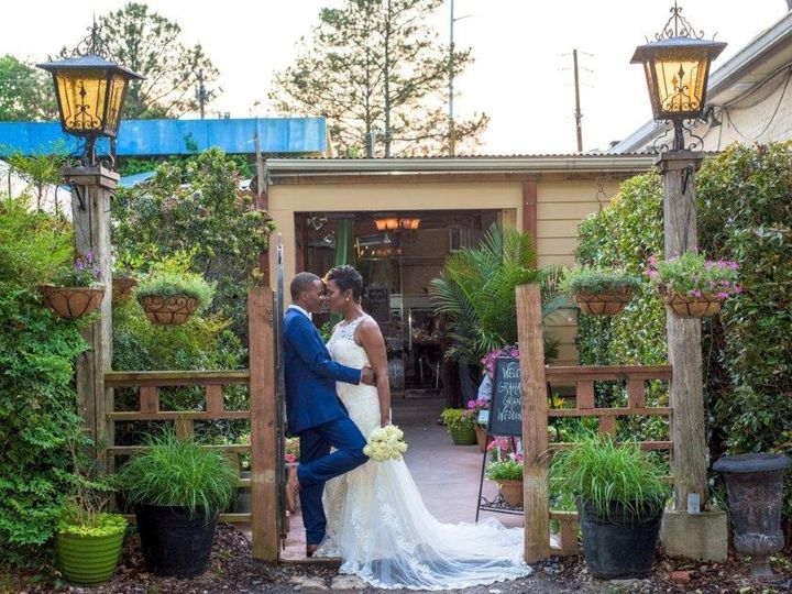 Tmx Couple On Walkway 51 189605 159188429515266 Decatur, Georgia wedding venue