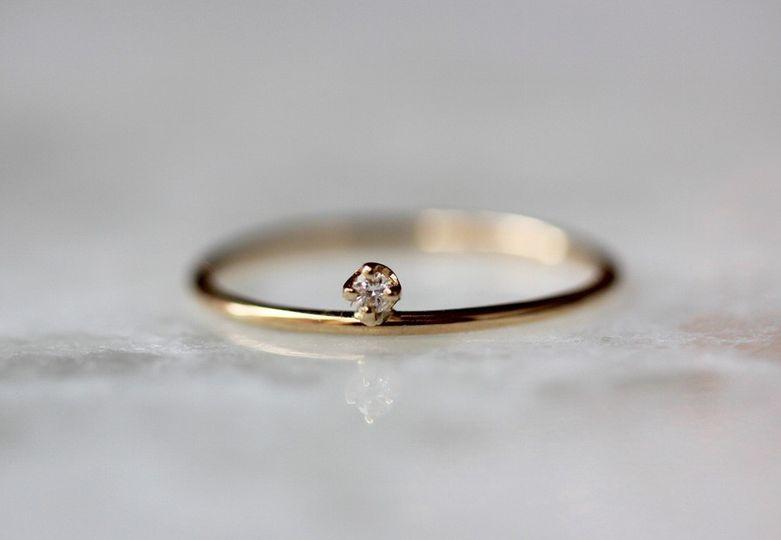 FLOATING DIAMOND