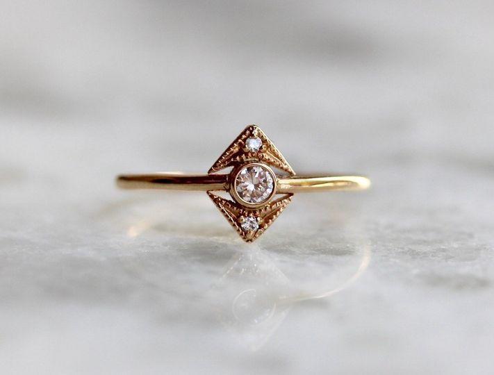 DECO DIAMOND