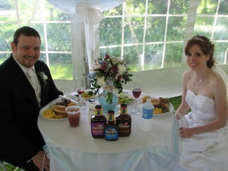 Tmx Catering Wedding Couple Posing 467x350 51 560705 North Olmsted, Ohio wedding catering