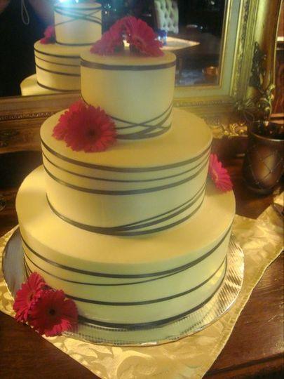 Billy Vanilly - Wedding Cake - Topeka, KS - WeddingWire