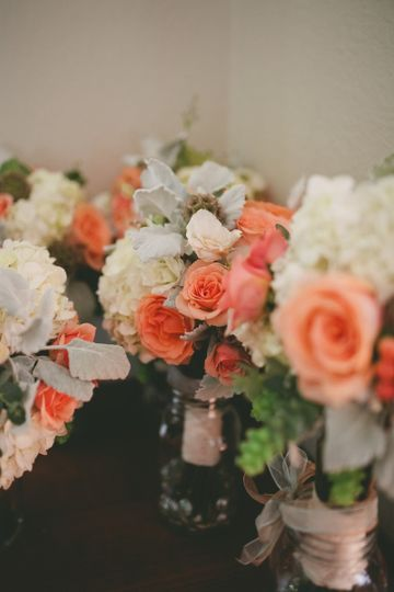 posies and poms floral designs wedding flowers colorado denver colorado springs boulder. Black Bedroom Furniture Sets. Home Design Ideas