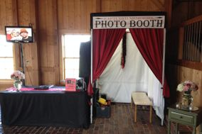 Captured Memories Photo Booth Kansas