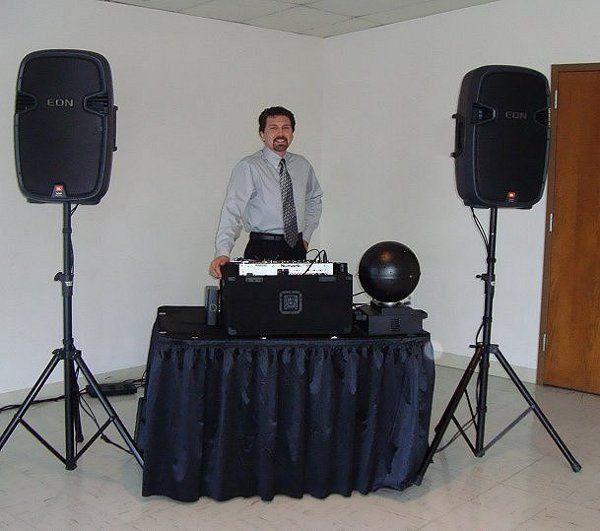 Kansas City DJ - Darin ready to entertain at a wedding reception.