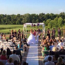 Tmx 1534534622 06dea92676b54d8b 1534534621 E939ad000dc1fc73 1534534624338 1 260x260 SQ 1482245 Gettysburg, PA wedding venue