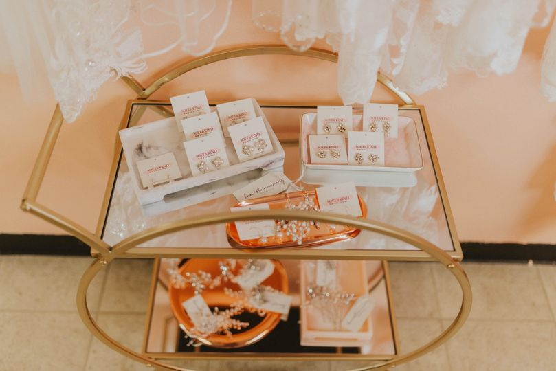 Dearly Accessories Cart