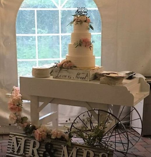 Vendor cart cake table