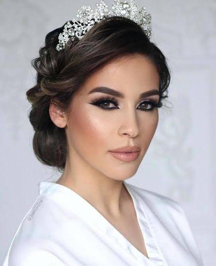 Elegant hair and makeup
