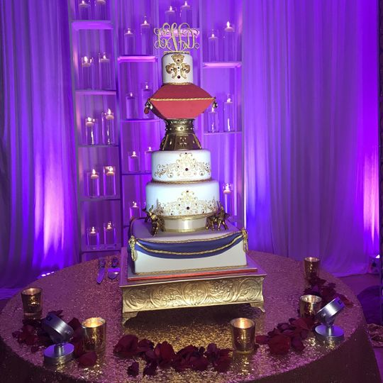 Cake with separated tiers