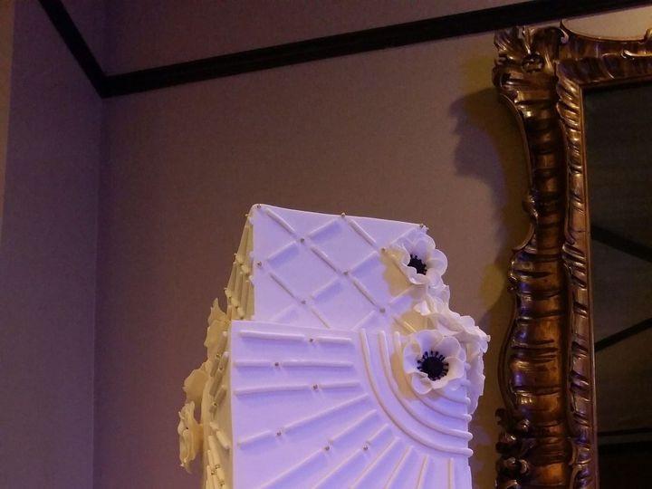 Tmx 1526308905 86b8e2a99d58b913 1444272224751 All White With Anemonies Orlando, FL wedding cake