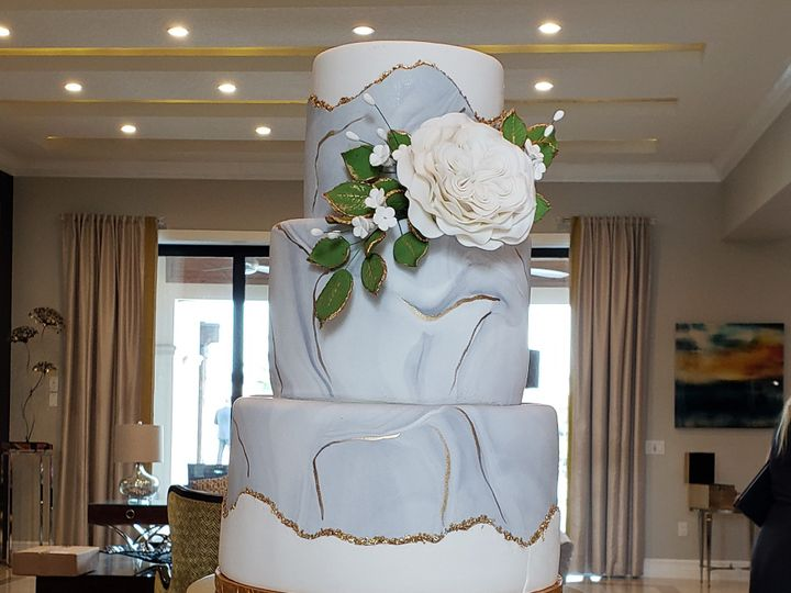 Tmx Emily And Owen 2 51 155805 Orlando, FL wedding cake