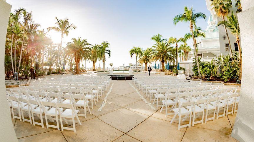 palms pool deck wedding 4 51 6805 158464512632773