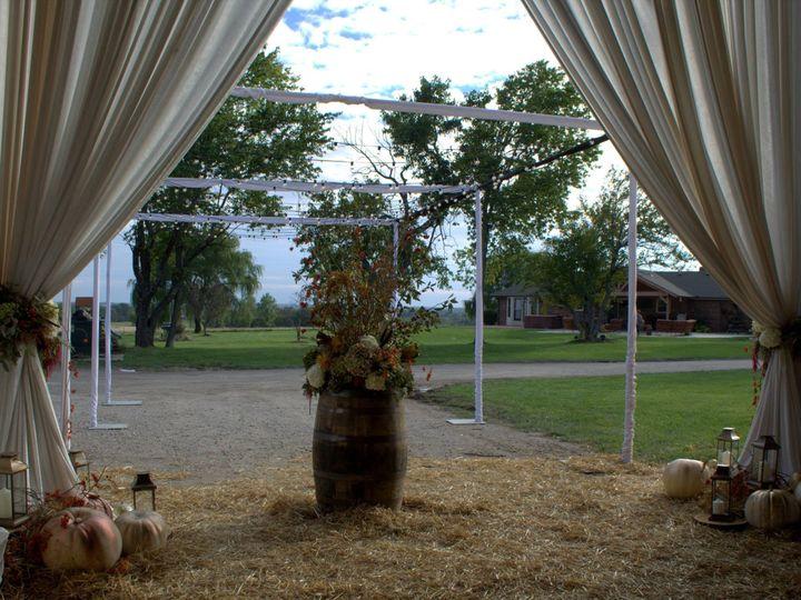 Tmx 1436476889616 10003843101528550149538047764606467178316423o Kansas City wedding florist