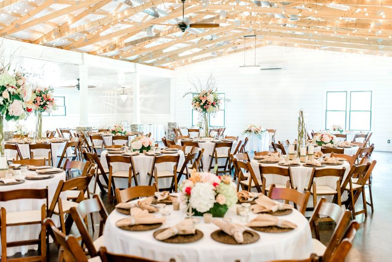 Tree With Flower Decor Indoor Round Table Setup: Farm Wedding Venues In Georgia At Reisefeber.org