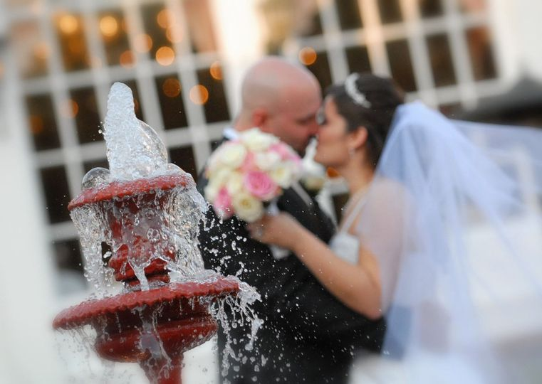 FountainBrideGroom