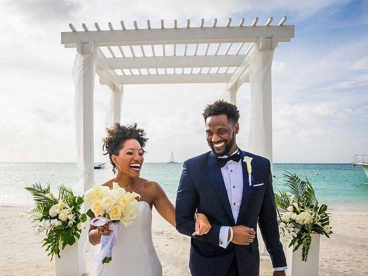 Tmx 37652742 10155583980223344 4506904634769539072 N 51 3905 New York, New York wedding dress