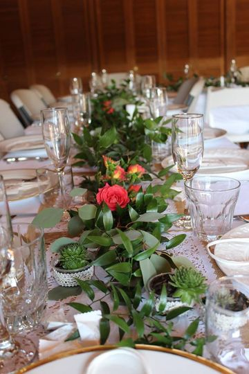 Long table arrangement