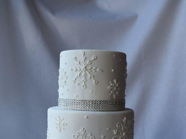 Tmx Blingy Snow 51 6905 Cary, NC wedding cake