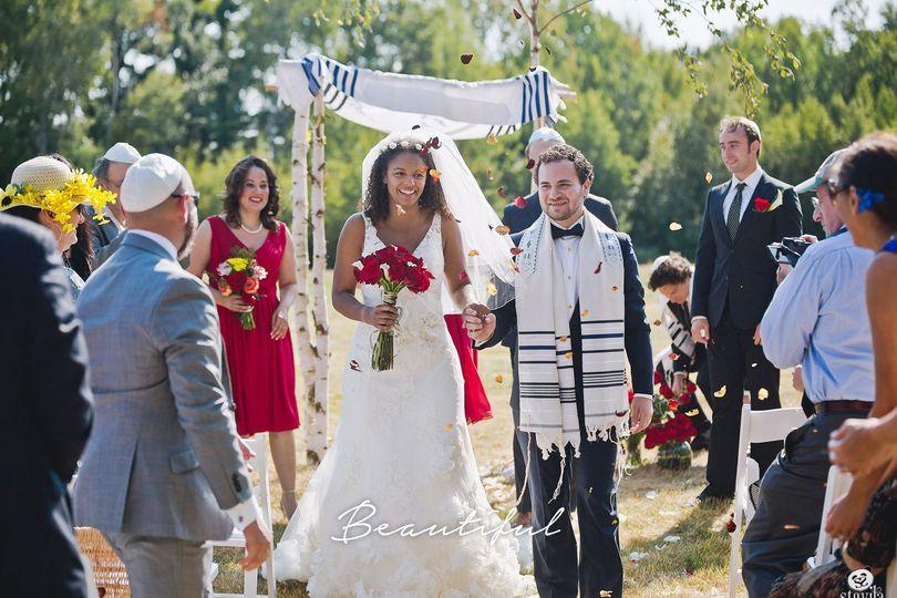 f931a95fd03c7c27 1527738498 097f78a5fc3f28f1 1527738496306 4 beautiful wedding