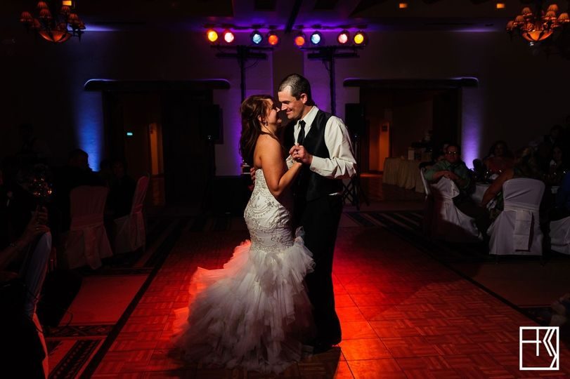 Lighting is so important. Especially for the first dance. Photo by Kelly & Sergio Photography.
