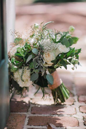 Class neutral bridal bouquet