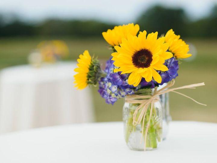 Tmx 26910367 10211956171594649 33221279497811995 O 51 1057905 Waterbury, CT wedding florist