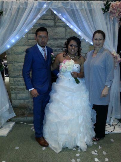 Dayane and Jorge at the Browndeer County Park Boathouse, Esta boda fue oficiada en español.