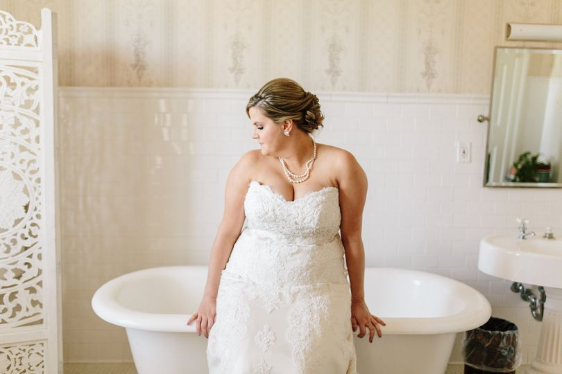 Bride by the tub
