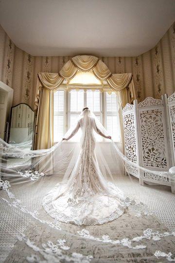Flora Lee Bridal Suite