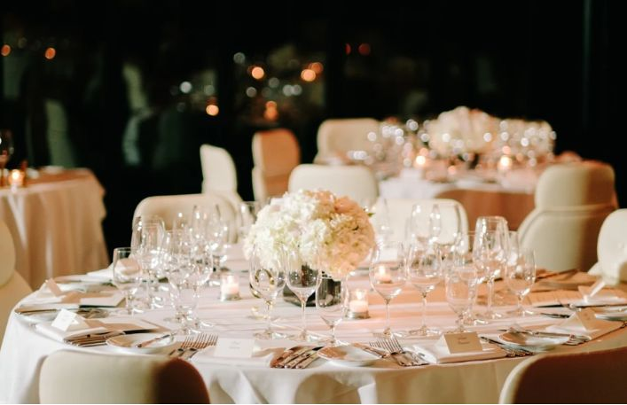 All White Low Centerpieces
