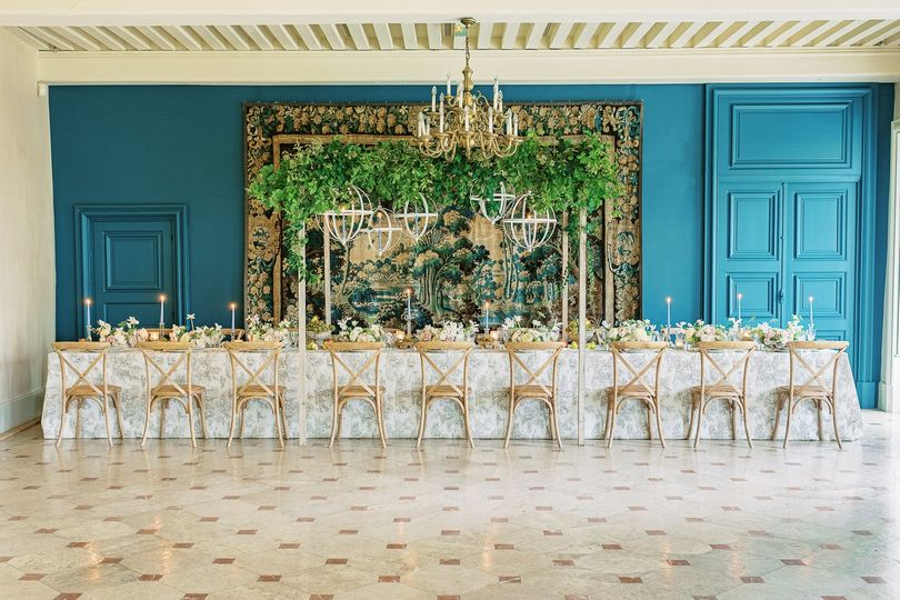 wedding tablescape burgundy detail c 2 51 2024015 161721212822208