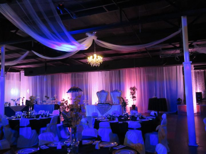Uplighting and decor