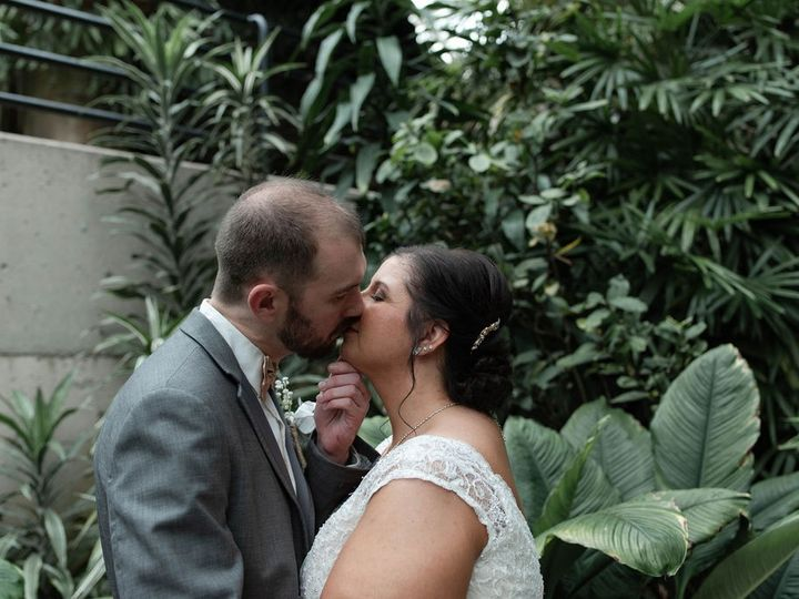 Tmx Dsc 4610 51 1056115 158075333014759 Fort Wayne, IN wedding planner