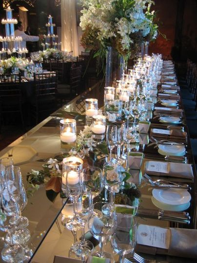 Mirrored Head Table