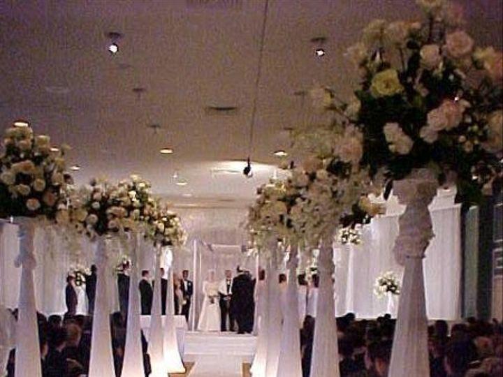 Tmx 1237934680883 Lightedspandexpillarswithwhiterunner Dallas, TX wedding florist