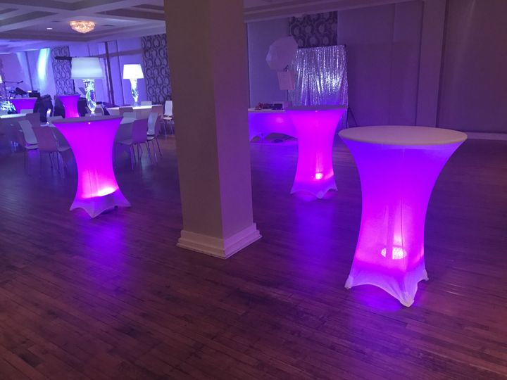 Cocktail table uplighting