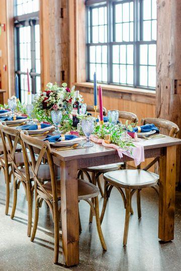 Farmhouse Table Flowers