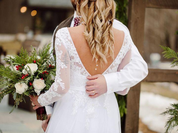 Tmx Img 8530 51 1059115 158455750978755 Milton, VT wedding florist