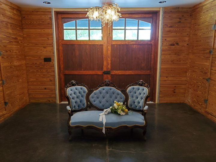Tmx Couch Obtf With Flowers And Crystal Chandlier June 6 2020 Wedding 51 1901215 160131136838348 Gray Court, SC wedding venue