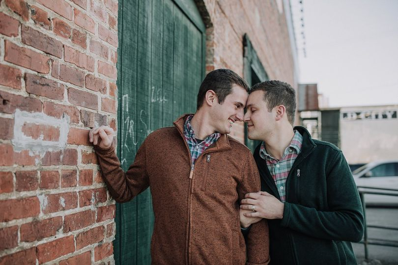 Engagement sessions in Downtown Knoxville