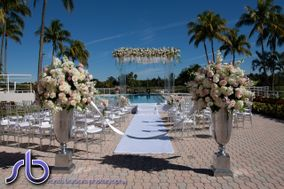 The Falls Club of the Palm Beaches