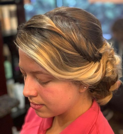 Loose Front-Braided Upstyle