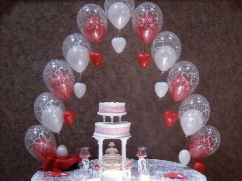 Tmx 1326833607191 Caketablearchwithdanglinghearts Tiffin, OH wedding favor